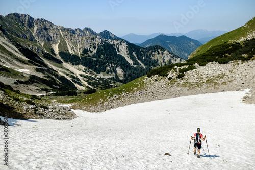Abstieg durchs Schneefeld Canvas Print