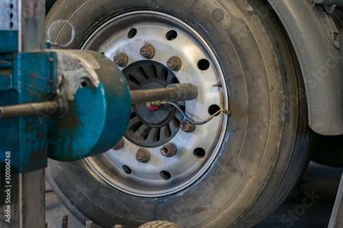 Fotografía  Taller de reparacion de neumaticos de camion