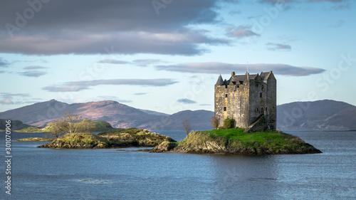 Photo sur Aluminium Con. Antique Castle Stalker Scotland