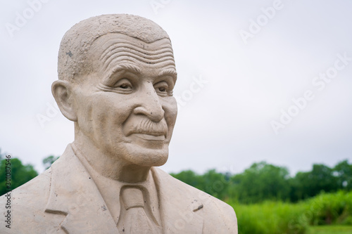 Canvas Print Statue to George Washington Carver at his National Monument