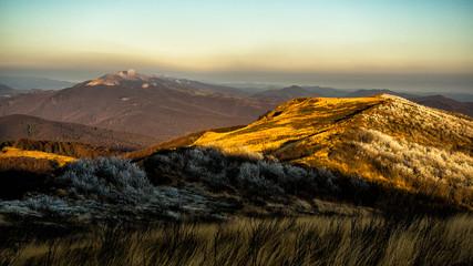 Obraz na Szkle Góry Sunrise in the mountains. Bieszczady Mountains. Poland