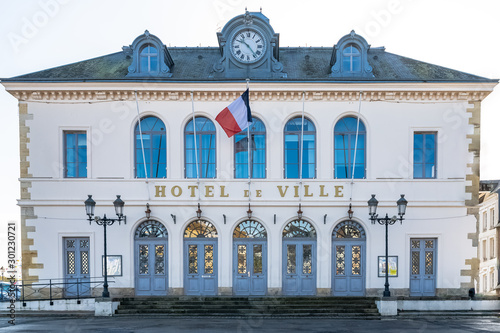 Photographie Honfleur in Normandy, the city hall in the center