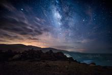 Bonito Paisaje Nocturno Con Muchas Estrellas