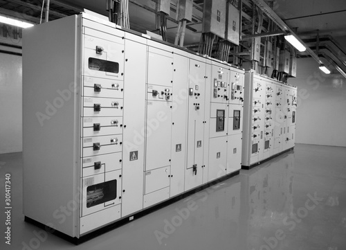 Cuadros en Lienzo Electrical control cabinet and circuit breakers are usually securely locked in t