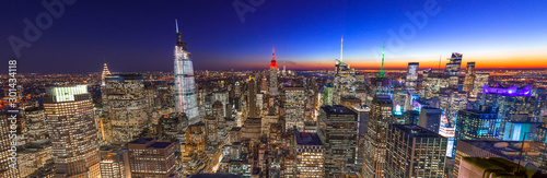 Obraz New York City Manhattan skyline buildings sunset evening 2019 November - fototapety do salonu