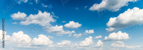 Obraz blue sky and clouds background - fototapety do salonu