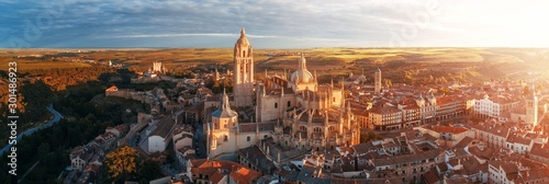 Canvastavla  Segovia Cathedral aerial panorama view sunrise