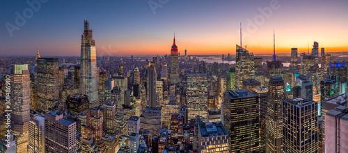 Fototapeta New York City manhattan buildings skyline sunset evening obraz