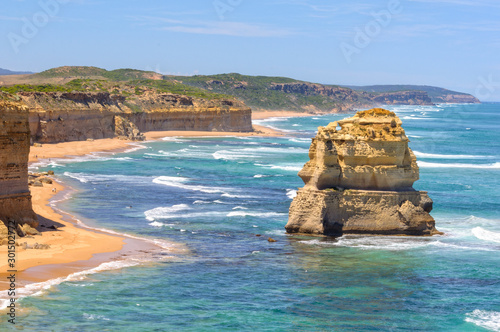Obraz na plátne One of the famous limestone rock stacks off the shore of Port Campbell National