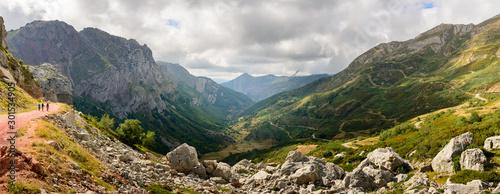 Obraz Valle de Saliencia, en el Parque Nacional de Somiedo, Asturias, España - fototapety do salonu