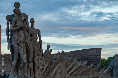 Cuadros en Lienzo MOSCOW, RUSSIA The Tragedy of Nations Monument is a Holocaust memorial in the