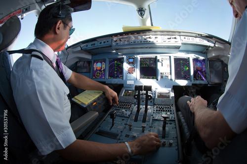 Pinturas sobre lienzo  Cockpit of jet aircraft in flight