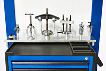Workbench And Tools For Bearings