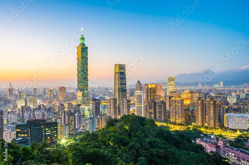 Photo Beautiful landscape and cityscape of taipei 101 building and architecture in the
