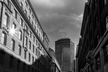 Black And White Buildings In L...
