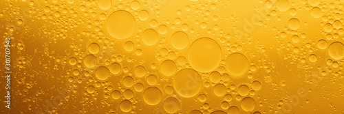 Spoed Fotobehang Eten Yellow coocing Oil bubble on water.