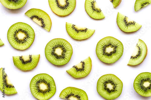 Fotografie, Obraz Fresh sliced of kiwi fruit isolated on white background