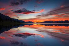 Beautiful Views Of The Lake An...