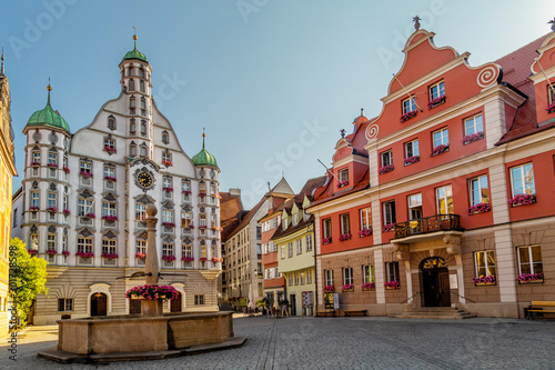 Foto  The Renaissance Hall in the historic centre of Memmingen, a town in Swabia, Bavaria, Germany
