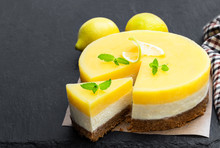 Homemade Layered Lemon Cheesec...
