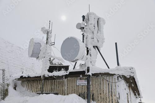 Photo Baza górska, schronisko, stacja pogodowa na szczycie góry