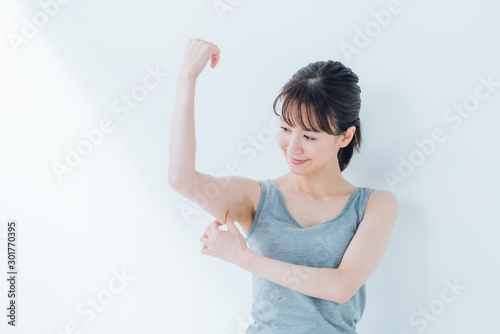 Photo 腕・若い女性
