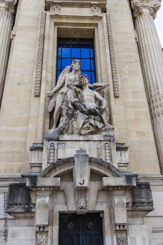 Fotografia, Obraz One of the allegorical sculpture groups at the facade of Grand Palais, Paris