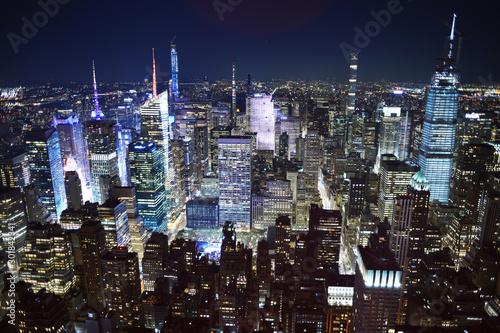 Naklejki na drzwi Nowy Jork nocą - widok z Empire State Building