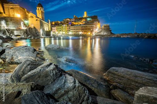 Staande foto Liguria Vernazza nocą, Cinque Terre, Liguria, La Spezia, Włochy