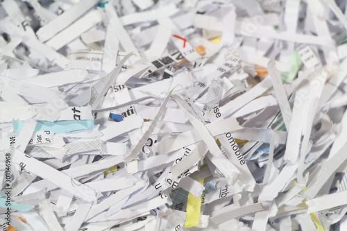 Valokuva  Shredded paper in a cardboard box