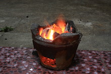 Combustible Charcoal Stove With Beautiful Lights
