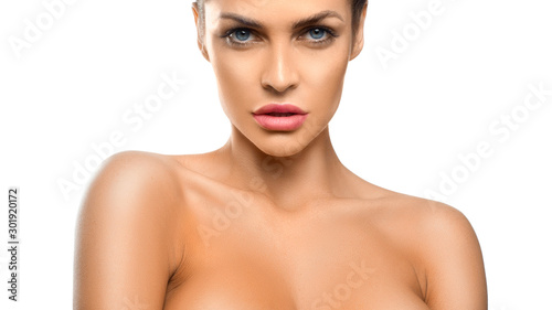 Photo Young beautiful blue eyed woman with a perfect skin over white background