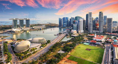 Obraz Aerial view of Cloudy sky at Marina Bay Singapore city skyline - fototapety do salonu
