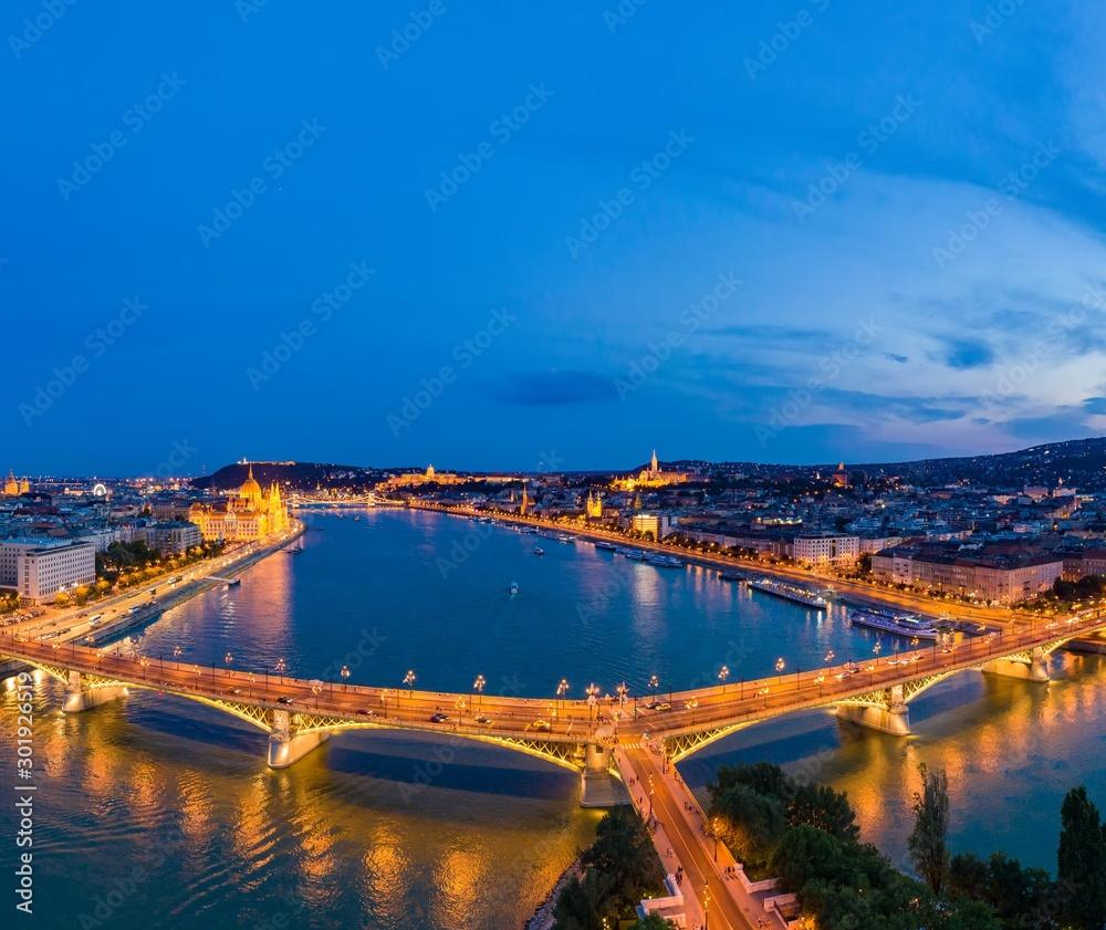 Fototapety, obrazy: Night panorama of Budapest Hungary