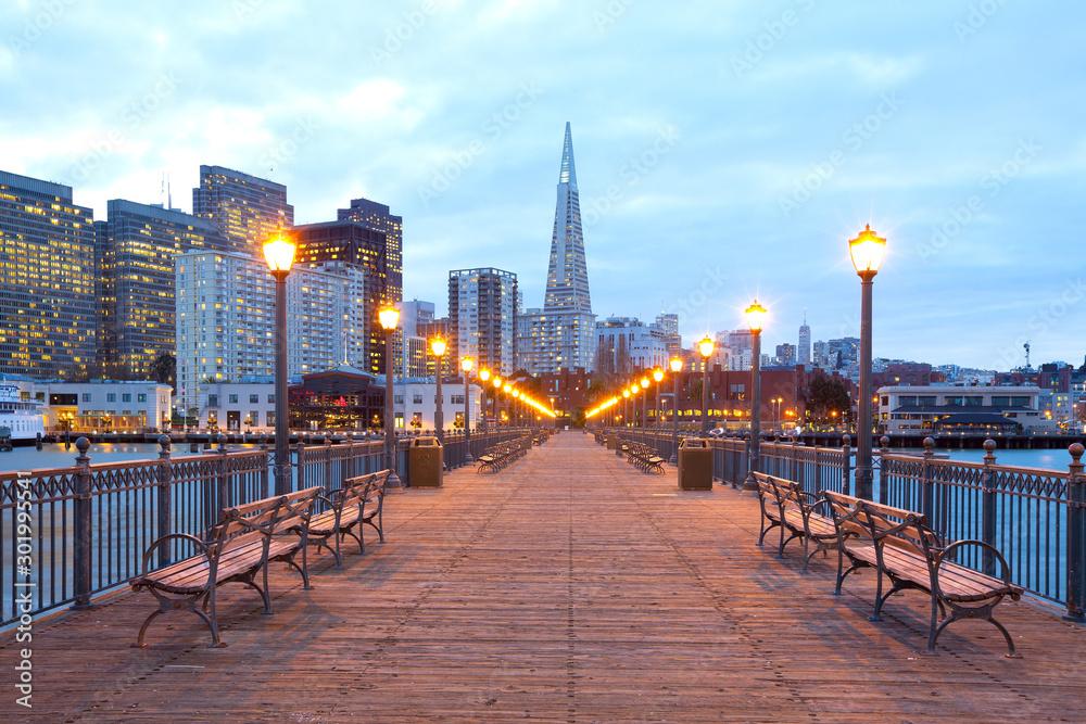 Fototapety, obrazy: Buildings at downtown from Embarcadero at dusk, San Francisco, California, USA