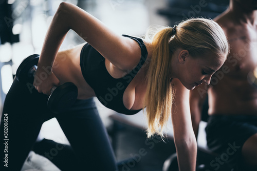 Cuadros en Lienzo  Fitness lifestyle concept, Sexy women exercising in the sport gym