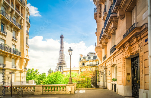 eiffel tour and Paris street - 302018968