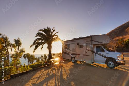 Fotografie, Obraz  Campen mit dem Wohnmobil am Malibu Beach RV Park, Malibu, CA, USA