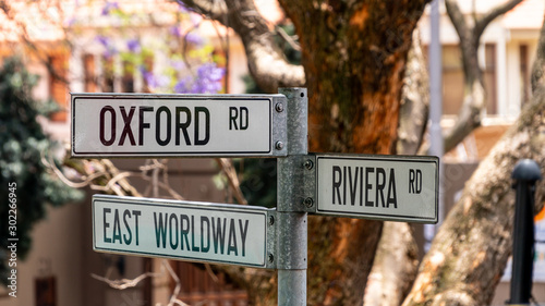 Valokuva Street sign in Johannesburg showing directyions for Oxford, East Wordway and Riv