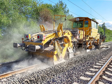 Heavy Machinery Repairs Rail L...
