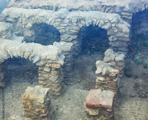 an ancient excavation, part of an old Roman floor heating Slika na platnu