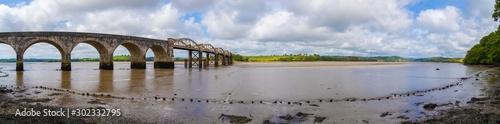 In de dag Brug Railyway Bridge of the Tamar Valley Line over the River Tavy in Plymouth Devon