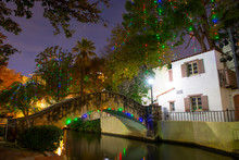 San Antonio River Walk Near S ...