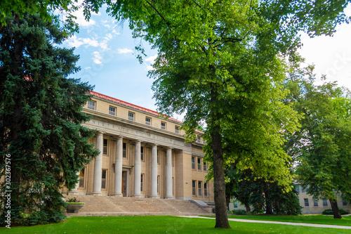 Fotografija Colorado State University Administrative Building in Fort Collins, Colorado