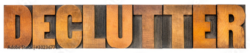 Fotografía  declutter isolated word in wood type