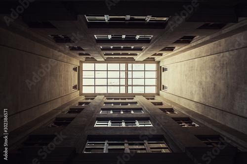 Fotografía  corridor, interior, light, tunnel, empty, architecture, hall, building, undergro