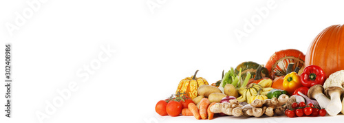 Photo sur Aluminium Légumes frais Harvest on white background