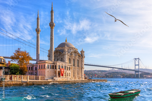 Foto auf Leinwand Altes Gebaude Beautiful Ortakoy Mosque in Istanbul, close view