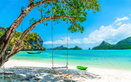 Fototapeta Beautiful nature scenic landscape vacation tropical sunny beach Mu Koh Ang Thong island, Famous landmark tourist travel Koh Samui Thailand fun beach summer holiday trip, Tourism destination place Asia obraz