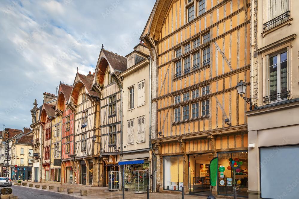 Fototapety, obrazy: Street in Troyes, France